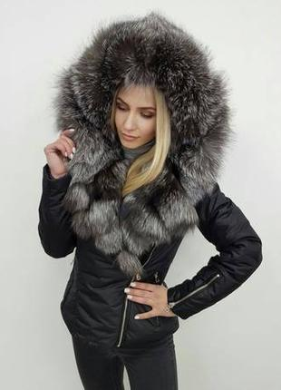 Зимняя куртка с капюшоном из меха чернобурки