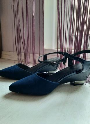 Синие слинкбеки на небольшом каблуке