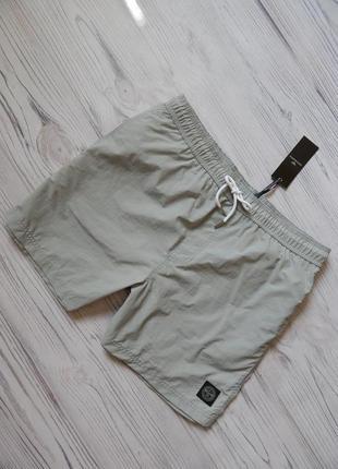 Стильные,  оригинальные мужские шорты. размер l-xl.