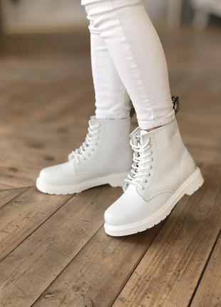 Зимние женские ботинки с мехом dr martens