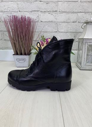 Женские ботинки черные на низком ходу натуральная кожа PLATE