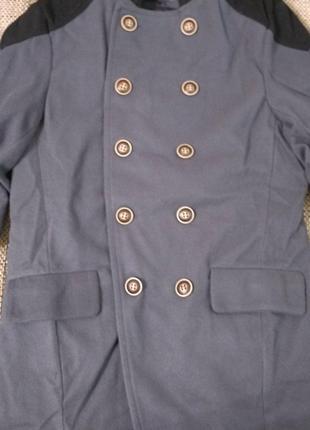 Новое мужское пальто, теплое на осень, пролетел с размером