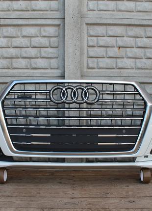 Бампер передний решетка радиатора на Audi Q7 S-Line 4M0 15-19