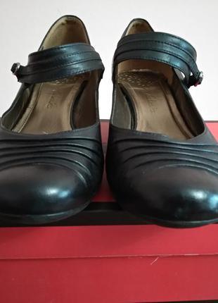 Женские кожаные туфли черные clarks размер 39