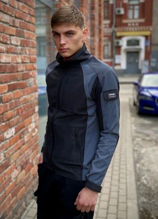 Топовая курточка Intruder SoftShell Light 'iForce' куртка/ветровк