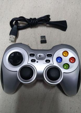 Геймпад джойстик Logitech Wireless Gamepad F710