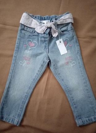 Стильные джинсы на девочку 12-18 месяцев