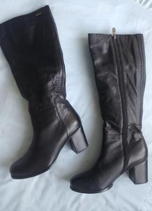 Кожаные сапоги на устойчивом каблуке (стелька -26 см)