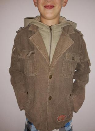 Демисезонная курточка пиджак с капюшоном