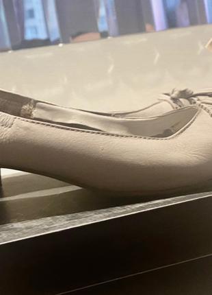 Милые кожаные балетки бренда Marco Tozzi в эргономичном дизайне