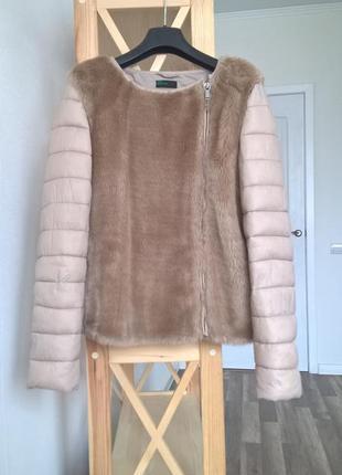 Нюдовая демисезонная куртка с мехом Benetton, m