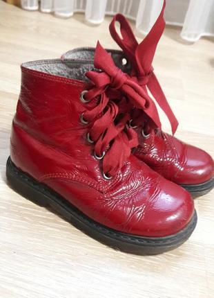 Демисезонные лаковые красные ботинки next