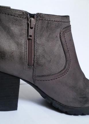 Ботинки женские Clarks Artisan Размер 39