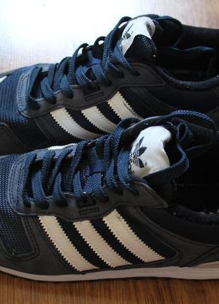 Сочитание прочности и стиля в мужских кроссовках adidas zx 700