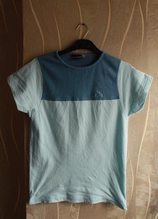 Красивейшая приятного цвета женская футболка kappa