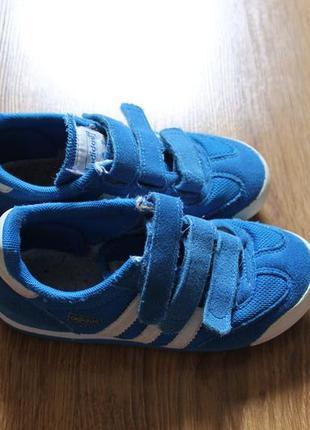 Классные современные детские кроссовки на липучке adidas drago...