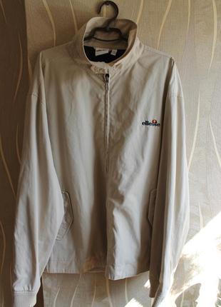 Винтажная классическая мужская бежевая куртка ellesse
