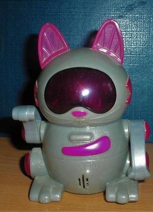 игрушка из Мак Дональдса