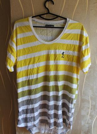 Стильная удлиненная футболка в полоску от крутого бренда religion