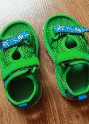 Яркие детские летные сандали босоножки от топоаclarks