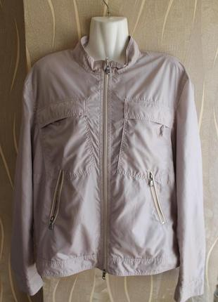Бомбезная легкая курточка бежевого цвета от люкс бренда versace