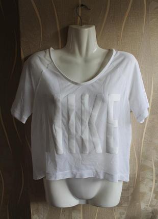 Суперлегкая изящная невесомая футболка сеточка с большой надпи...