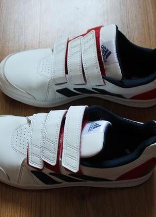 Стильные кроссовки на липучках из новых коллекций adidas ortho...