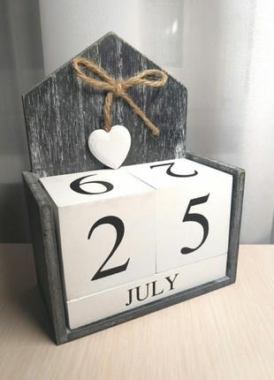"""Вечный календарь """"Сердце"""". Деревянный декор."""