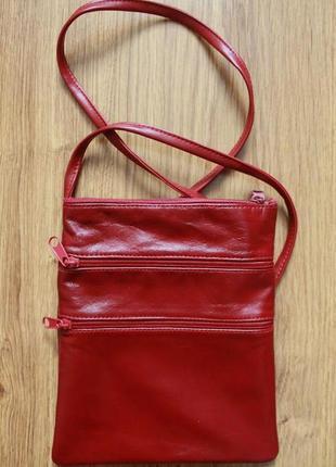 Красивенька кожаная бордовая сумочка с длинной ручкой noname