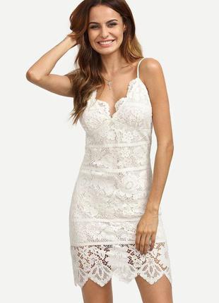 Кружевное платье мини с встроенным лифом/стрейч и гипюр/белосн...