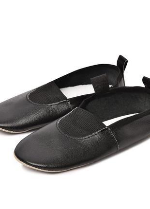 Детские кожаные чешки черные р.27 17см