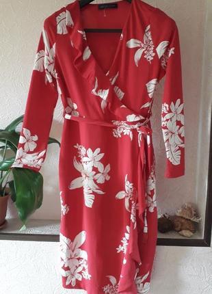 Женское летнее платье в цветочный принт с воланом рукавом на з...