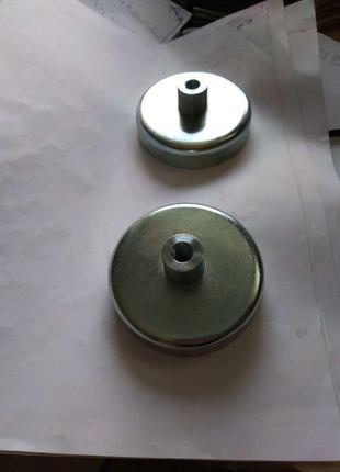 Феррит. держатель с внут. резьб. в бобышке Ду80 мм