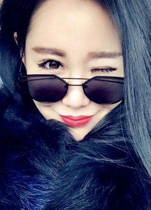 Солнцезащитные очки, окуляри,лисички,красивая оправа черные