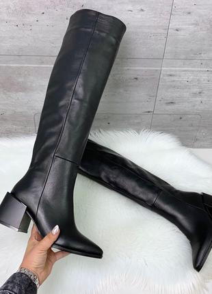 Шикарные чёрные зимние ботфорты из натуральной кожи