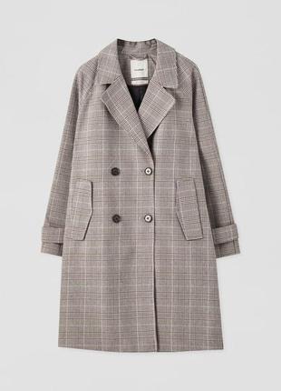 Пальто в клетку pull&bear