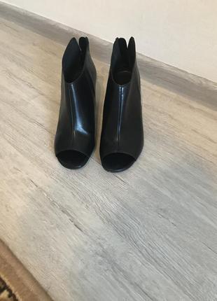 Туфли, ботильоны, босоножки с открытым носком натуральная кожа