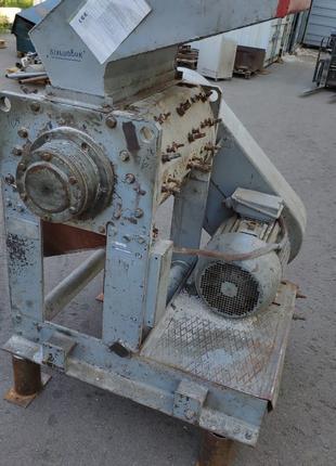 Подрібнювач для пластмас (Дробилка пластмас)