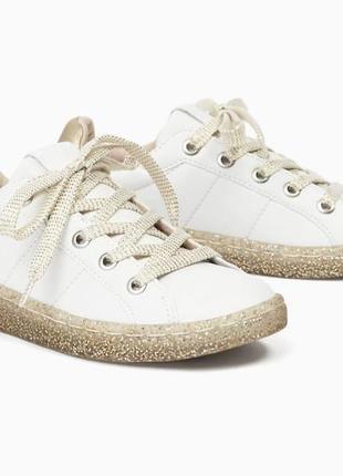 Белые кроссовки zara. размер 37