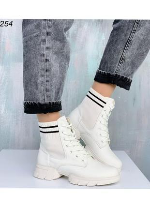 Ботинки женские на шнуровке 52154