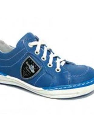 Спортивные туфли renbut. размеры 31,32,35,36