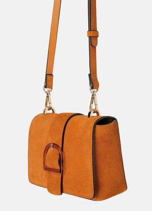 Замшевая сумка с пряжкой от zara