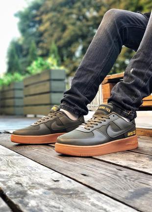 Классные мужские кроссовки nike air force 1 gore-tex хаки