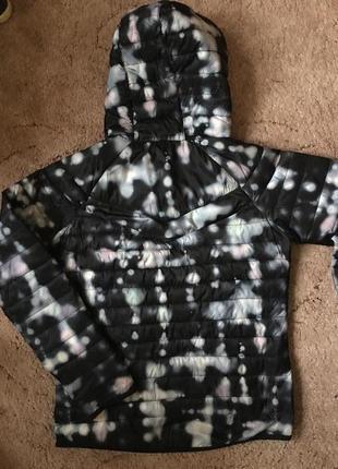 Куртка тонкая на утеплителе primaloft     cap fit  р  .s