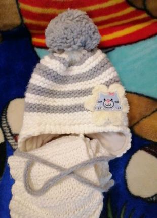 Комплект для девочки новый шапка и шарф