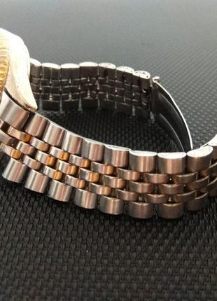Ремешок, Браслет + корпус часов • Нержавеющая сталь