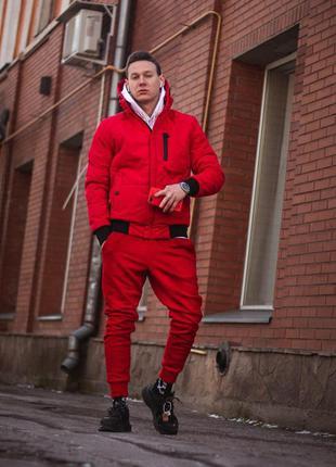 Мужская демисезонная куртка красного цвета
