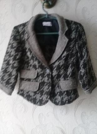 Стильный твидовый женский пиджак