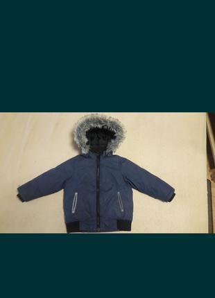 Куртка весна- очень на мальчика 2-4 года.