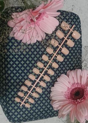 Набор аккуратных накладных ногтей 🍑 нюдовогоцвета